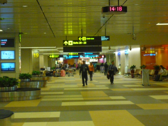 Singapore Airport as budget travel hub to everywhere in Asia